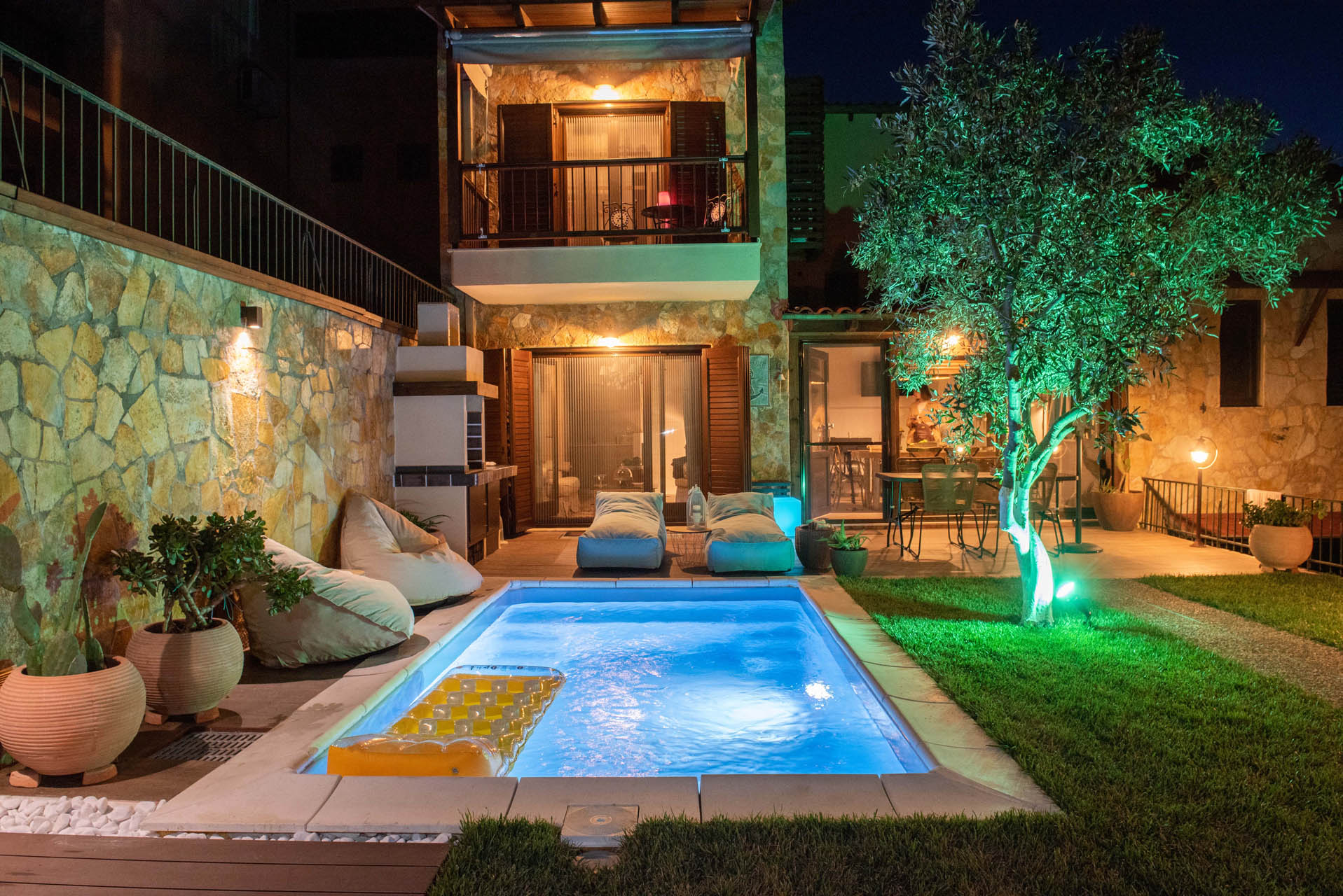 Read more about the article Private Villa With Pool, Parking and Cellar- Sea View